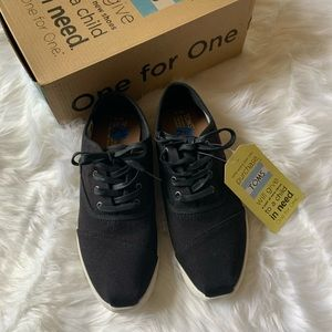 NWT & box Toms Donovan Canvas Shoes
